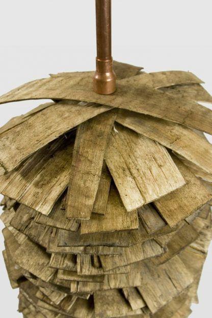 podstawa do lampy stojącej z drewna i miedzianych rur
