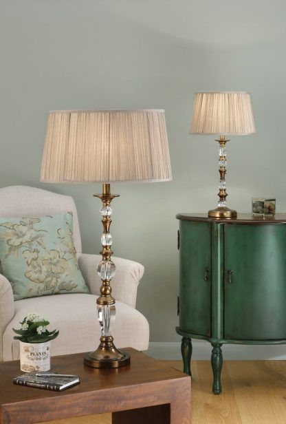 polina mosiężne lampy stojące na miętowej ścianie