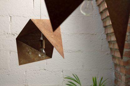 postarzane lampy wiszące - zardzewiałe blachy