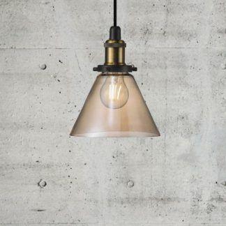 retro industrialna lampa wisząca do betonowych ścian w salonie