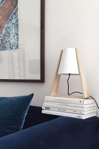 skandynawska lampa stołowa do salonu aranżacja