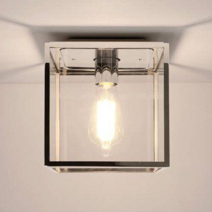 srebrna lampa sufitowa - sześcian z żarówką dekoracyjną