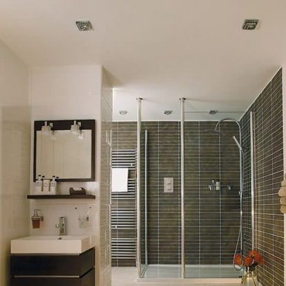 srebrne oczka sufitowe do łazienki aranżacja