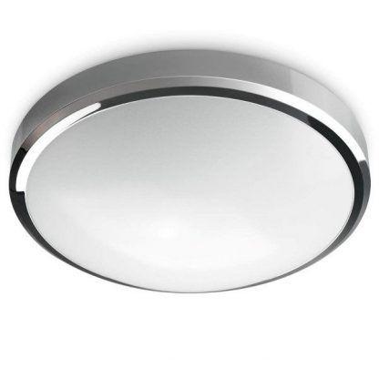 Srebrne wykończenie lampy mlecznym kloszem łazienka