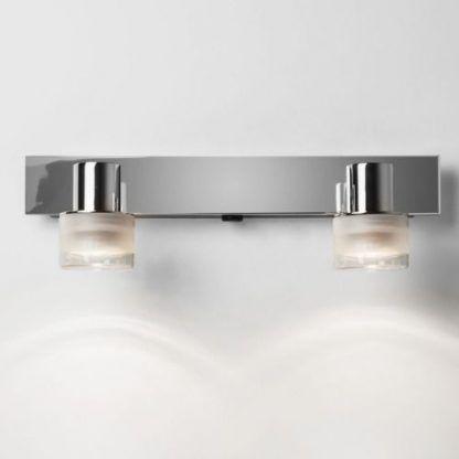 Srebrny kinkiet z dwoma kloszami do łazienki