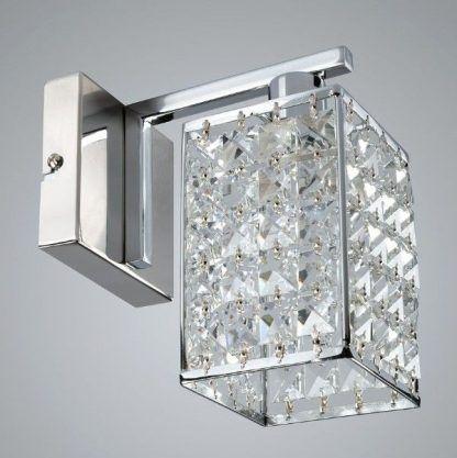 Srebrny kinkiet z geometrycznym kloszem z kryształkami