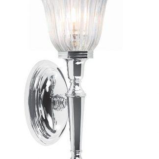 srebrny kinkiet z kryształowym kloszem do łazienki