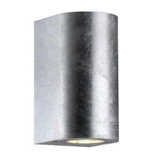 srebrny kinkiet zewnętrzny na ścianę domu