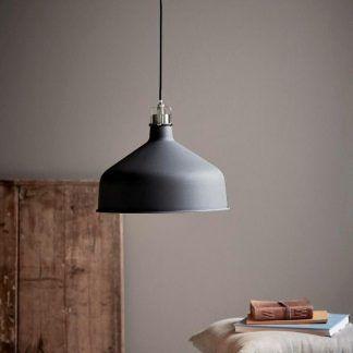 szara klimatyczna lampa wisząca w stylu skandynawskim