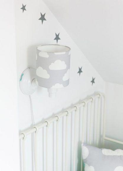 szary kinkiet nad łóżko do pokoju dziecka - białe ściany