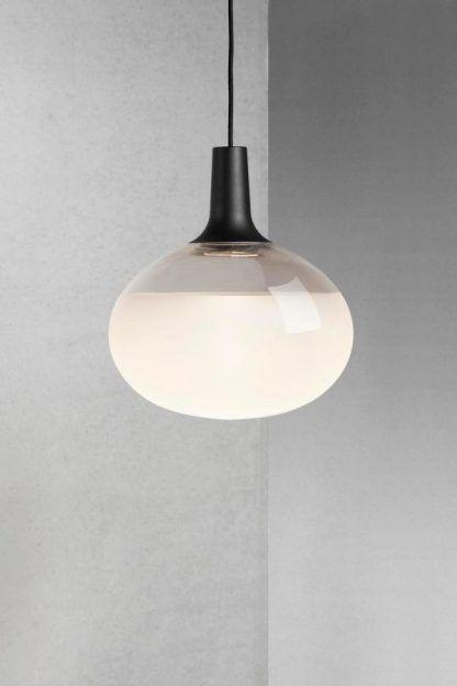 szklana lampa wisząca owalna nowoczesna