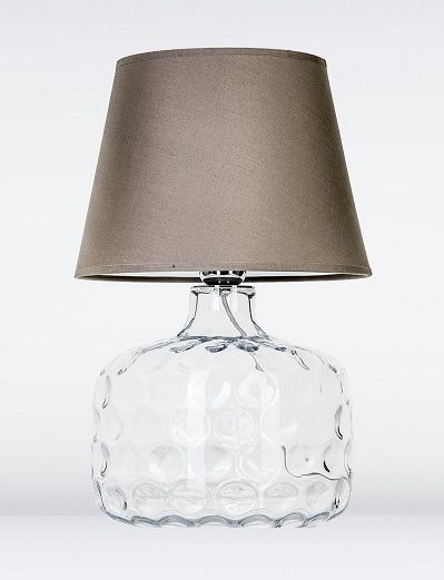 szklana podstawa lampy stołowej i brązowy abażur