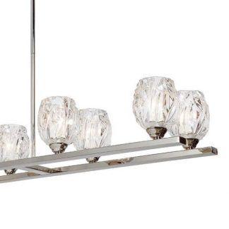 Szklane klosze w srebrnym żyrandolu do kuchni