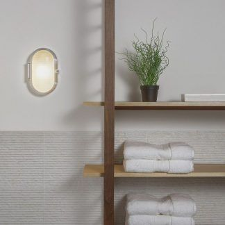 szklany kinkiet do łazienki w stylu industrialnym - piękny