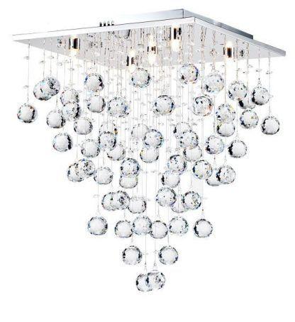 Wiszące kryształowe kule w lampie sufitowej