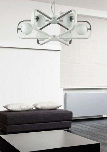 wiszący żyrandol nowoczesny - biały ze szklanymi kulami