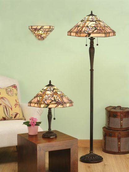witrażowe klasyczne lampy do zielonego salonu