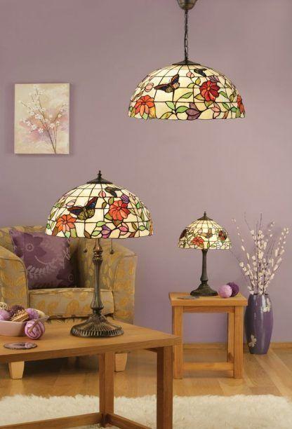 witrażowe lampy do salonu wrzosowe ściany