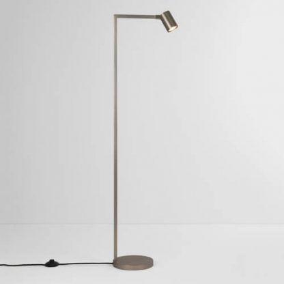 wysoka lampa podłogowa nowoczesna srebrna