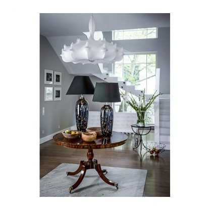 wysoka lampa stołowa do salonu czarny abażur