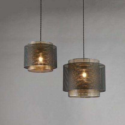 złoto-brązowa lampa wisząca z metalowej siatki