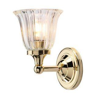 złoty kinkiet z kryształowym kielichem do łazienki