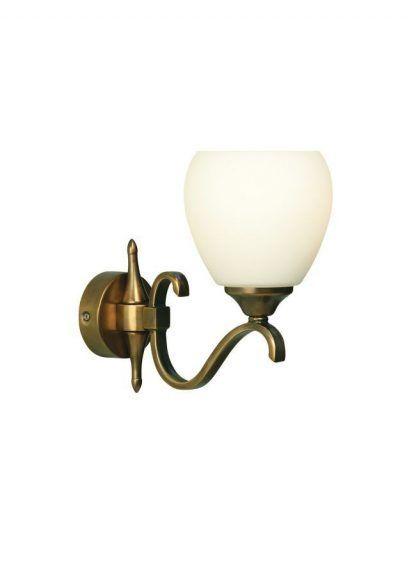 złoty kinkiet z mlecznym szklanym kielichem