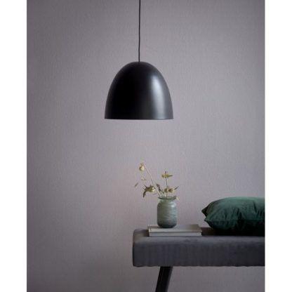 czarna elegancka nowoczesna lampa wisząca do salonu