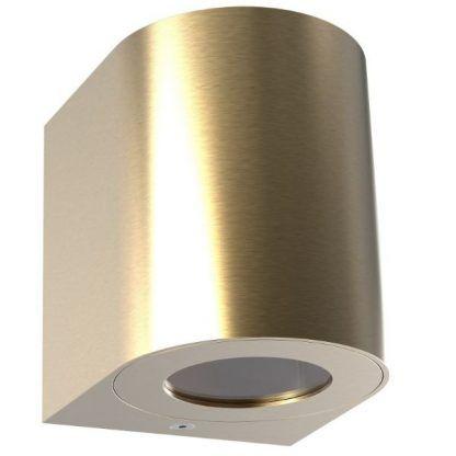złoty kinkiet na dom - oświetlenie zewnętrzne