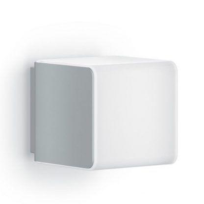 kwadratowy kinkiet zewnętrzny mleczny klosz