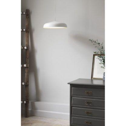 Lampa wisząca Fura nad komodę w sypialni