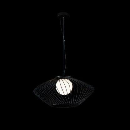 duża czarna lampa wisząca druciana ze szklaną kulą