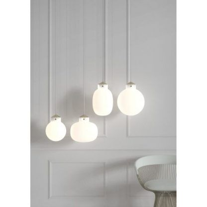 cztery kule ze szkła - lampy wiszące