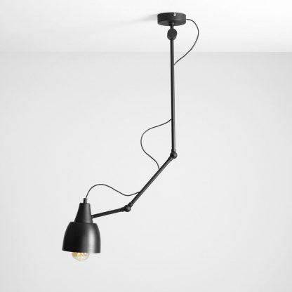metalowa lampa sufitowa czarna