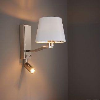 srebrny kinkiet - jako lampka nocna do czytania w sypialni