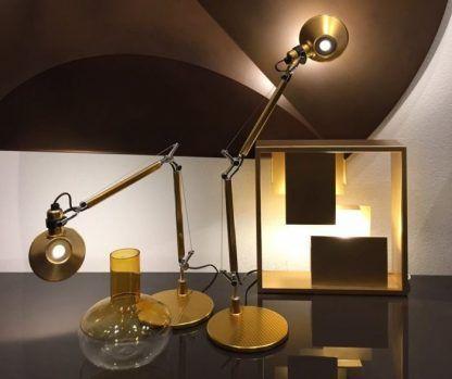 designerska lampa biurkowa złota nowoczesna