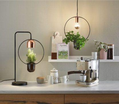 druciane lampy do kuchni z doniczkami aranżacja