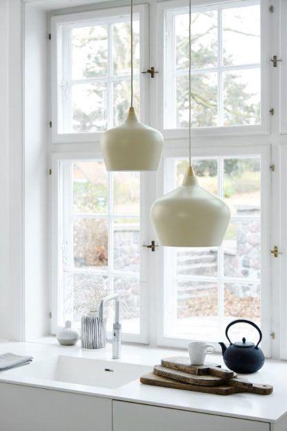 kremowa lampa wisząca do kuchni aranżacja