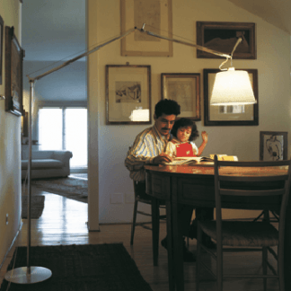 Lampa podłogowa Tolomeo Mega Terra do biura