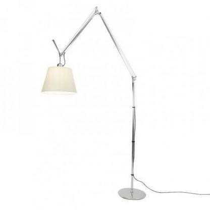 lampa podłogowa z regulowanym abażurem
