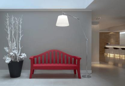 Lampa podłogowa Tolomeo Mega Terra do sypialni