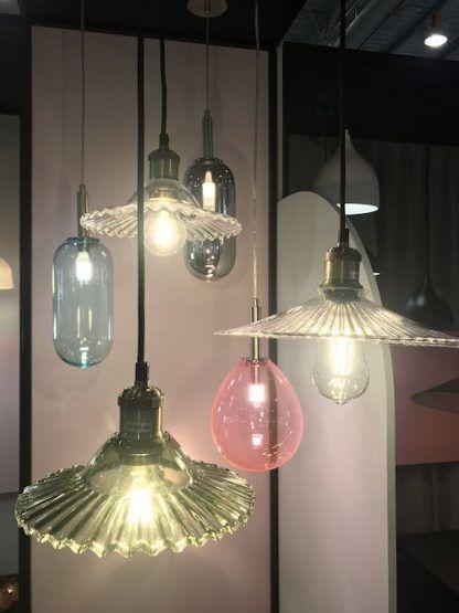 lampy wisząca z kolorowego szkła