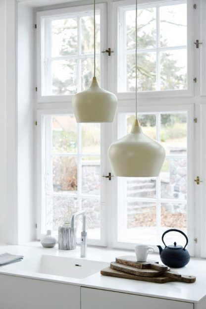 skandynawska lampa wisząca do kuchni aranżacja