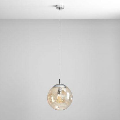 szklana lampa wisząca do salonu bursztynowa