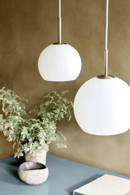 szklana lampa wisząca kula nowoczesna biała