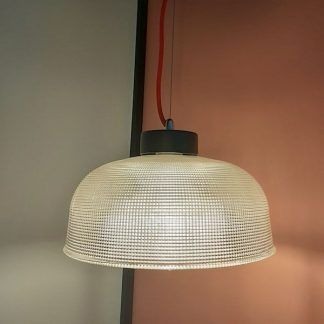szklana lampa wisząca szeroki klosz do kuchni