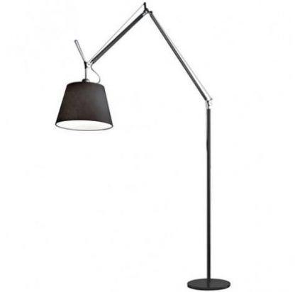 wysoka lampa podłogowa do biura czarny abażur