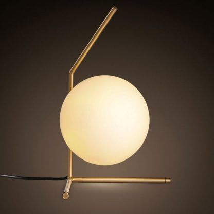 złota lampa stołowa szklany klosz