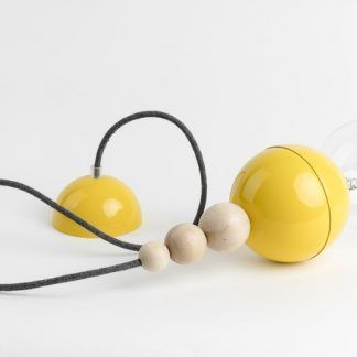 żółte zawieszenie do pokoju dziecka czarny przewód
