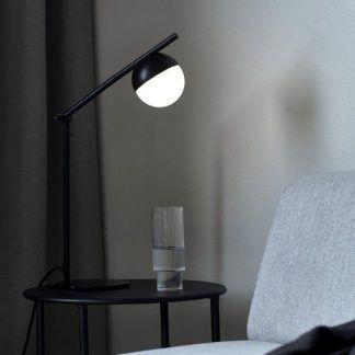 Lampa stołowa Contina na stolik przy sofie